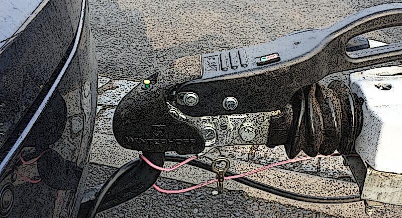Deichsel mit Antischlingerkupplung angekuppelt an einem Fahrzeug